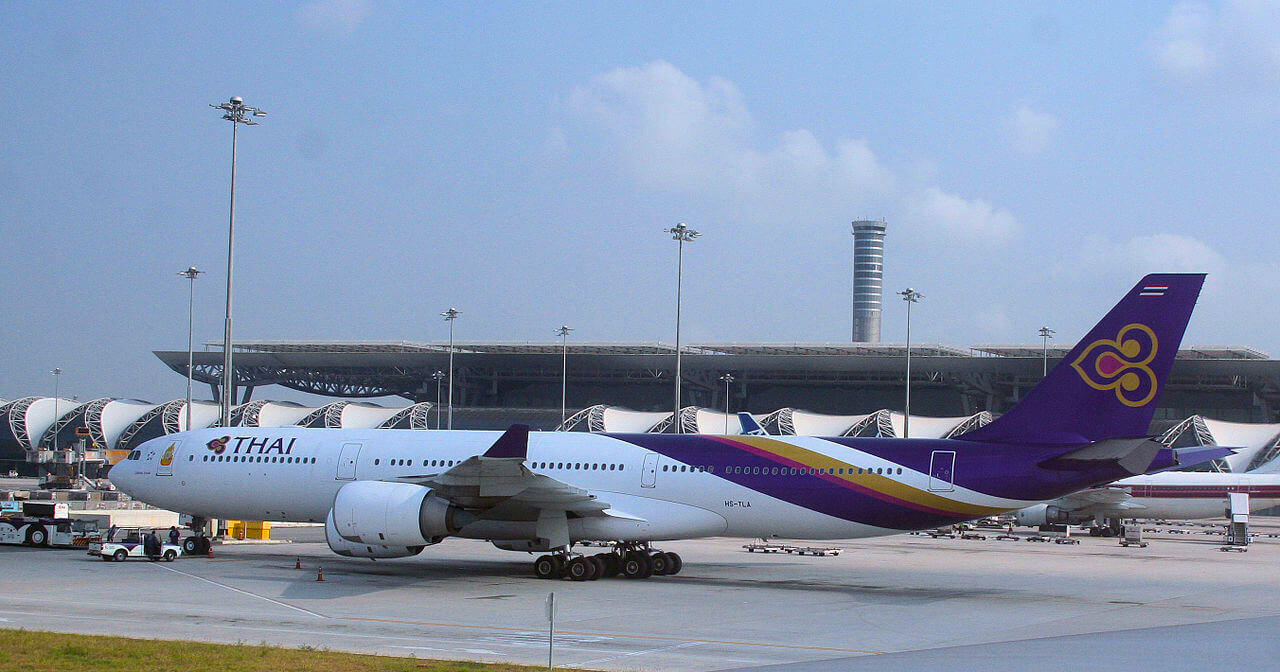 Bangkok Suvarnabhumi Airport - Thai Airways 777