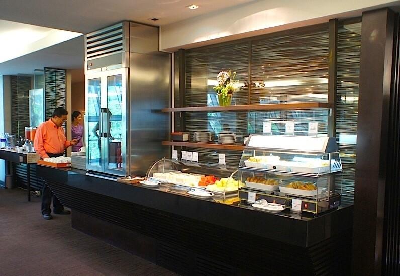 Thai Airways Royal Silk Lounge Bangkok Buffet