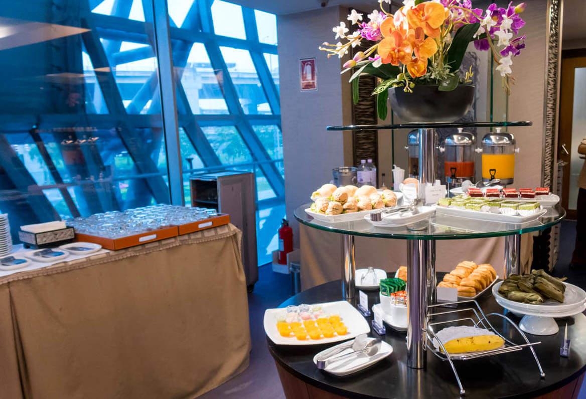 Thai Airways Royal Silk Lounge Bangkok Domestic