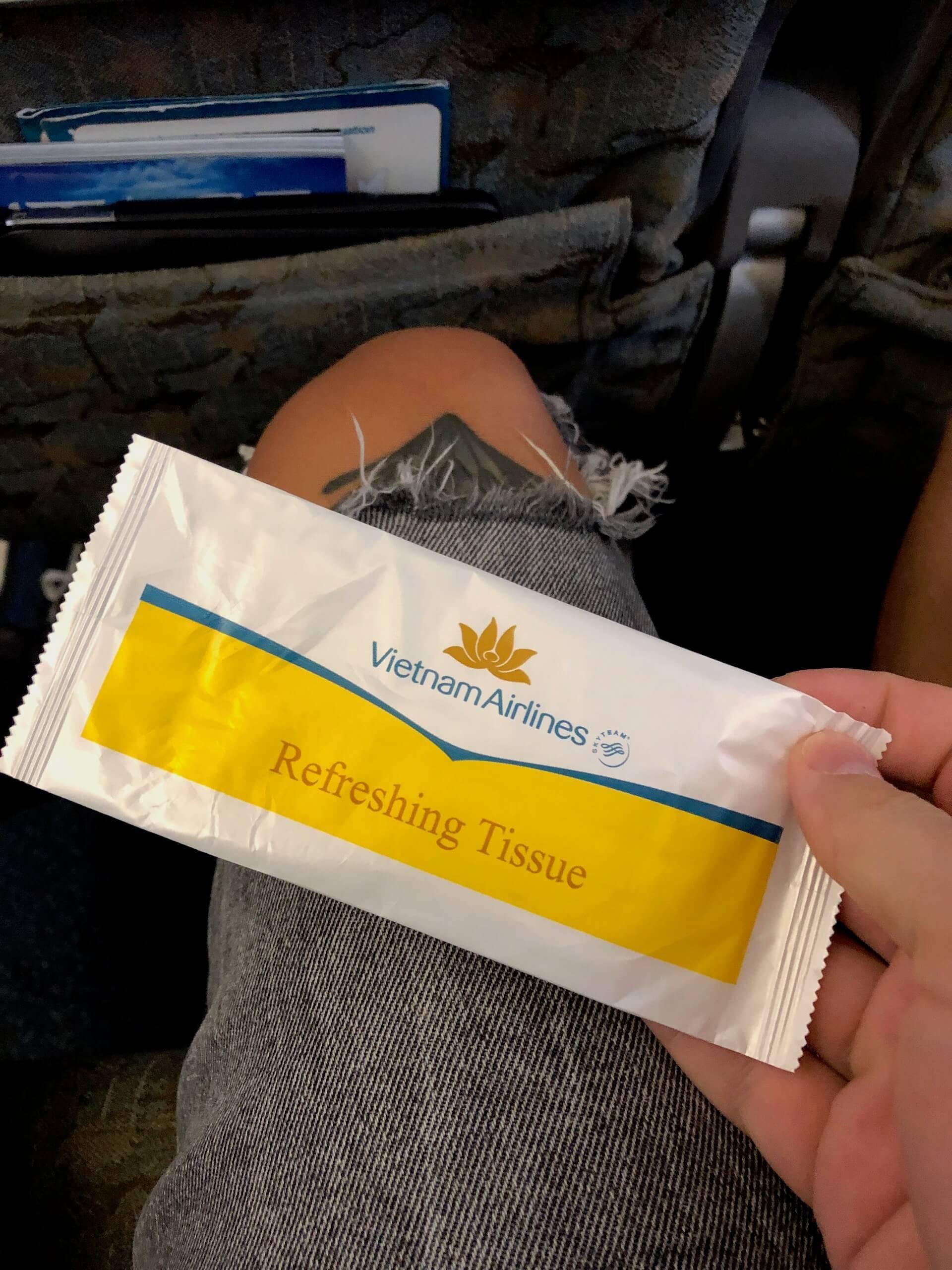 Vietnam Airlines Economy Class Inlandsflug Erfrischungstuch