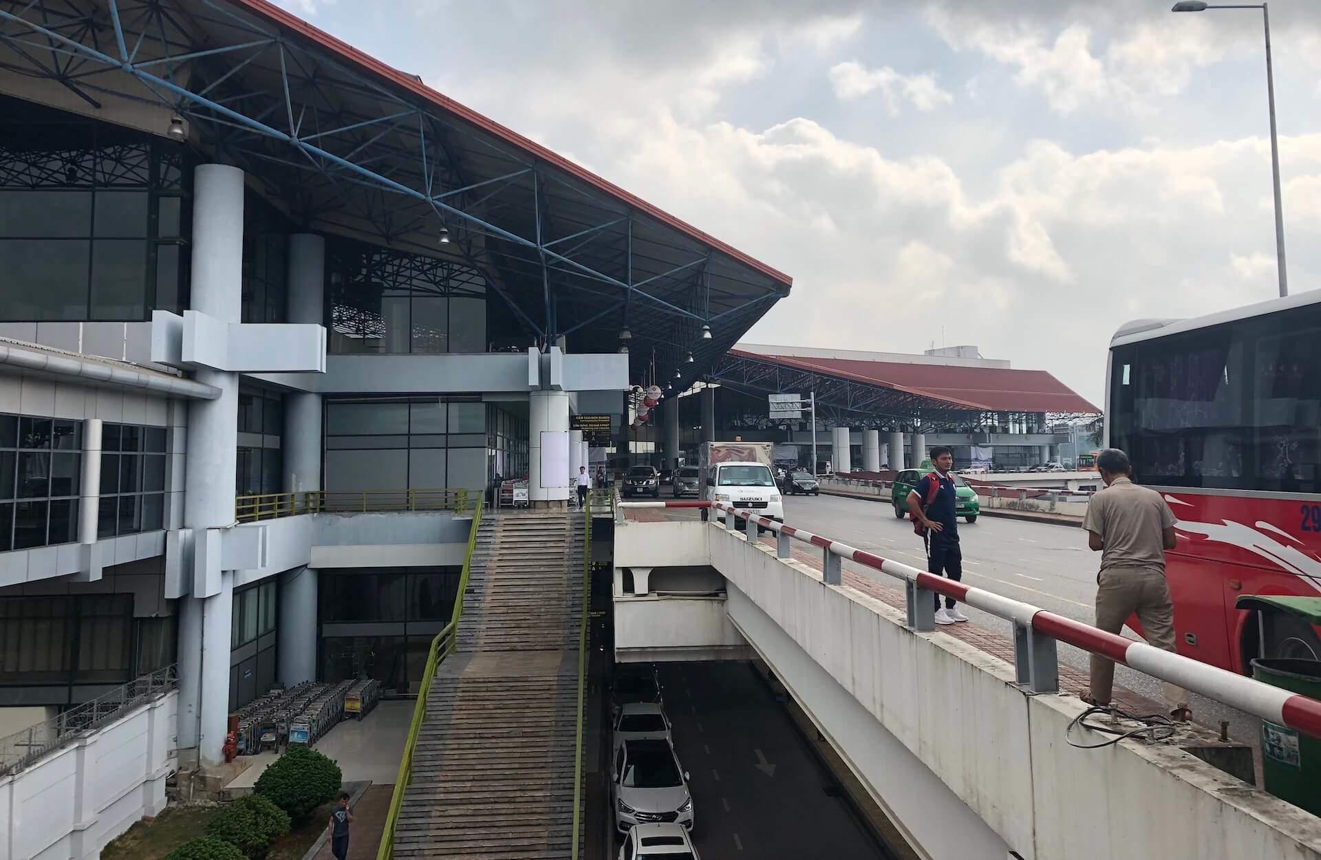 Flughafen Hanoi Departure Drop off