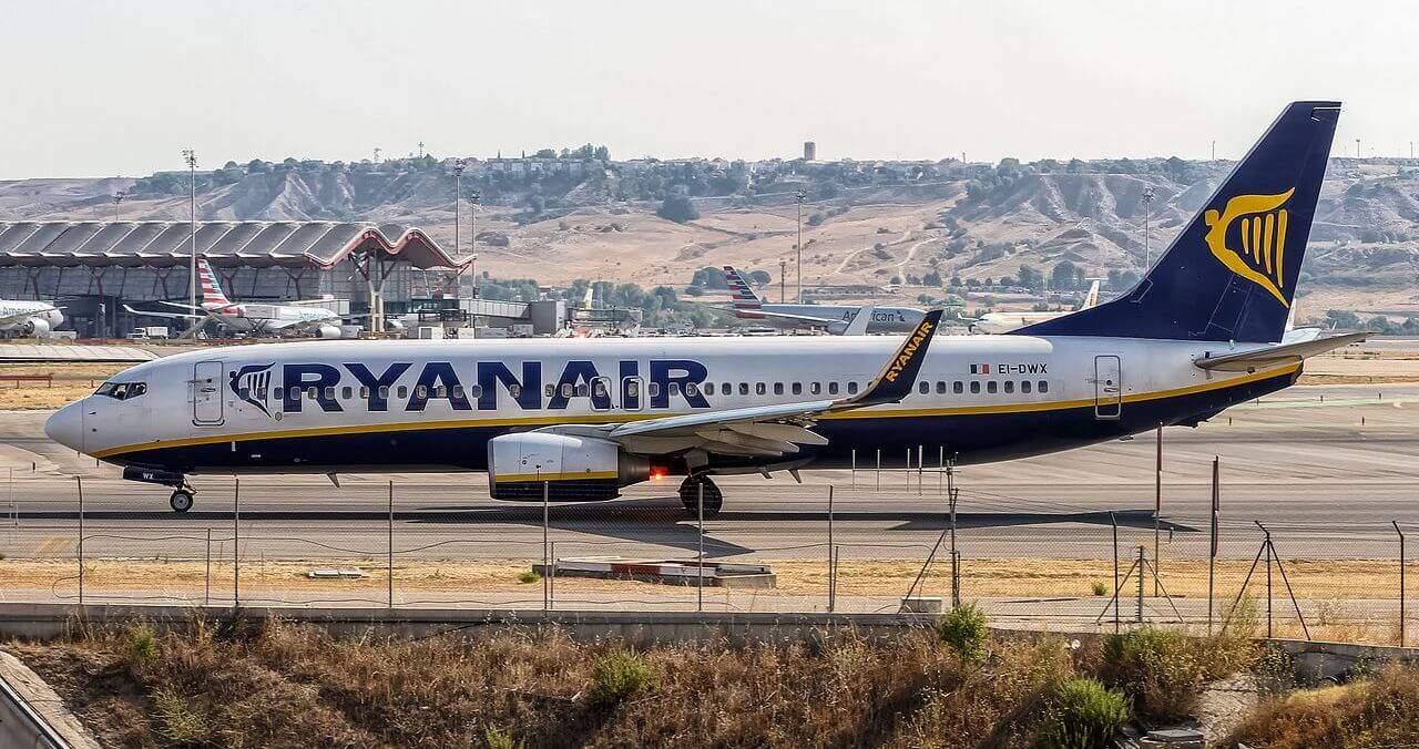 Ryanair Boeing 737-8 vor dem Flug von Madrid nach Mallorca