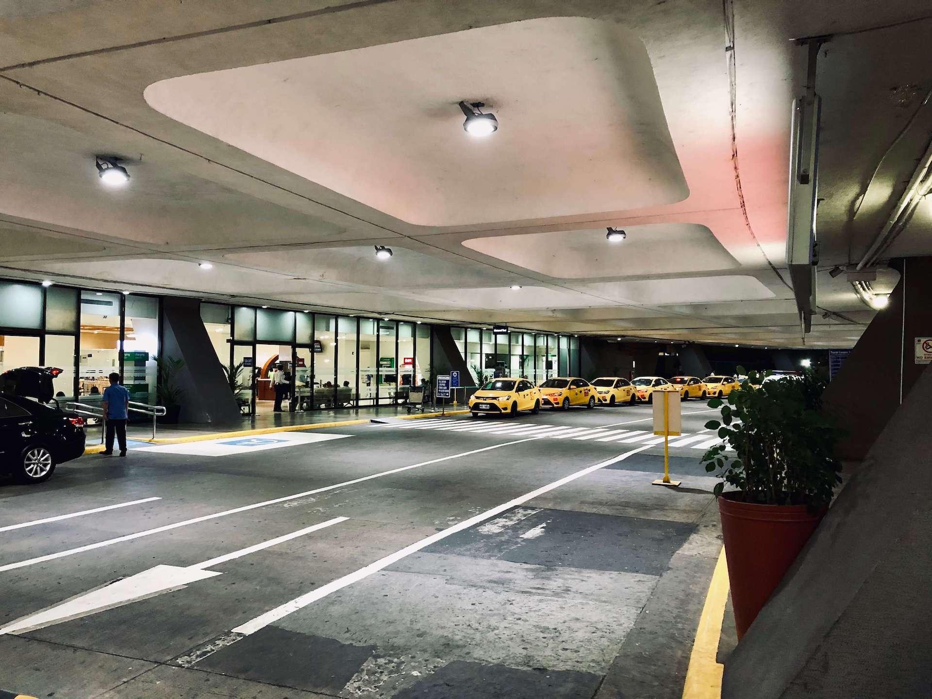 Airport Meter Taxi Flughafen Manila Ankuntshalle Terminal 1