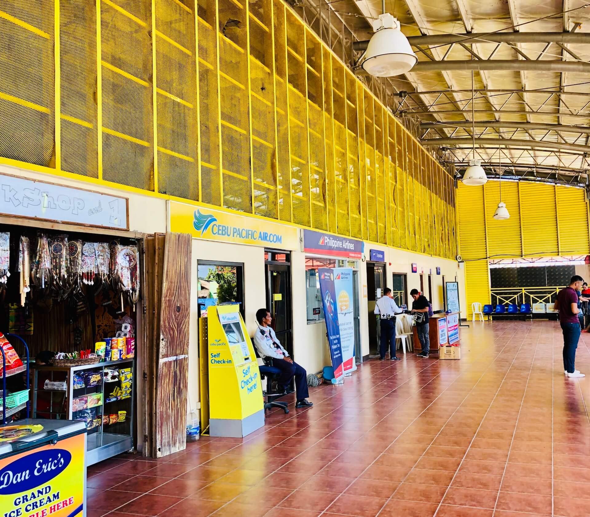 Coron Airport Außenbereich - Ticketschalter & Snack Shop