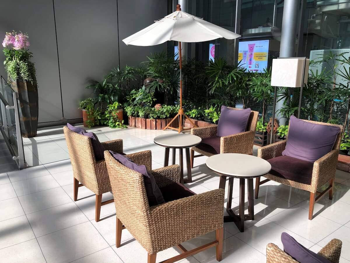 Royal Silk Domestic Lounge Bangkok Garden Bereich