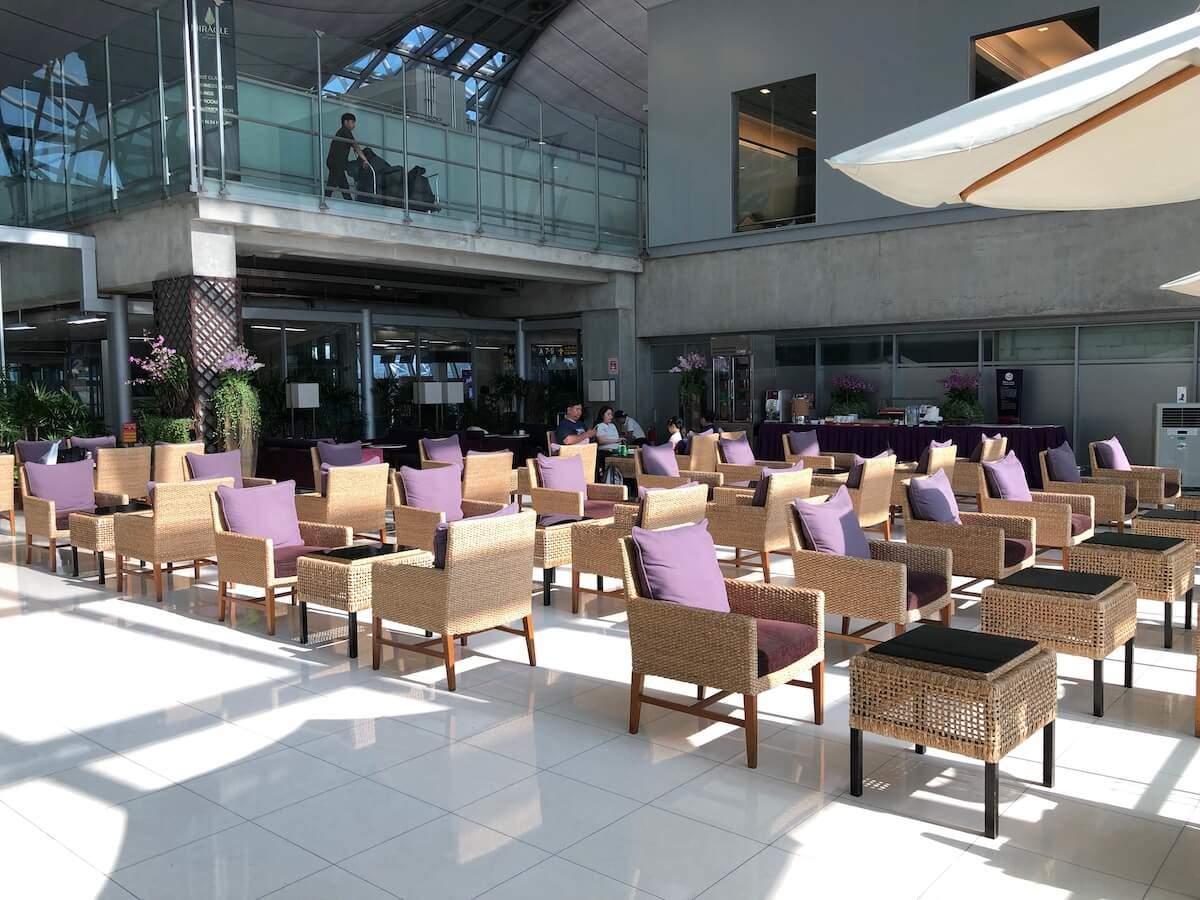 Royal Silk Domestic Lounge Bangkok Garden Zone