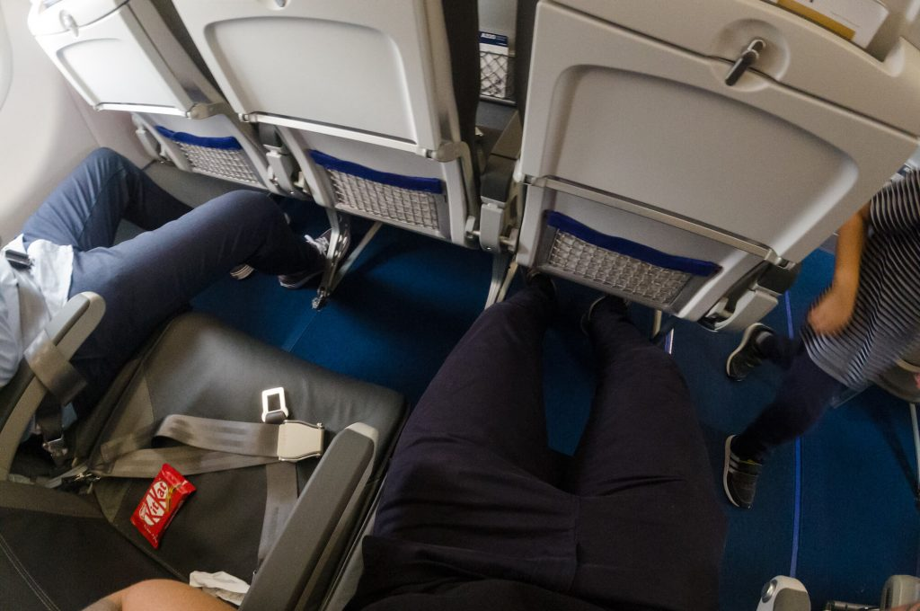 Beinfreiheit Lufthansa Airbis A320neo Business Class