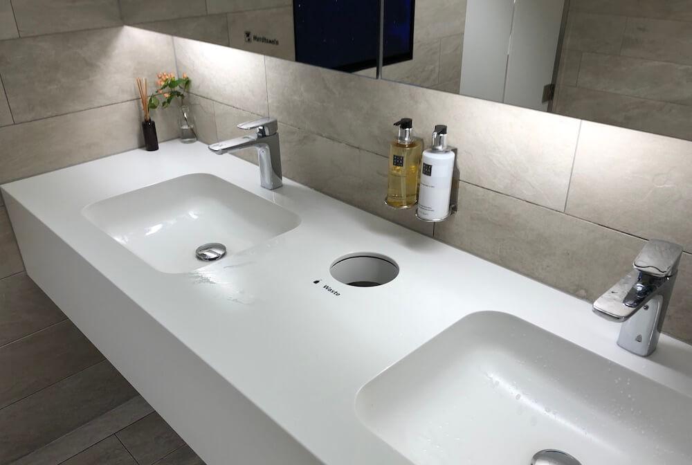 Swiss Business Lounge Terminal A Züroch Toilette