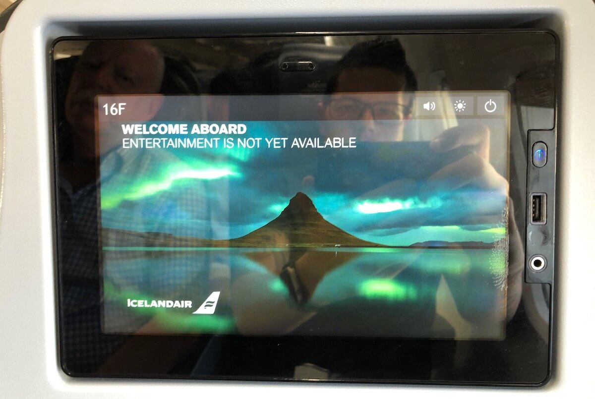 Icelandair Boeing 757-200 Economy Class Entertainment