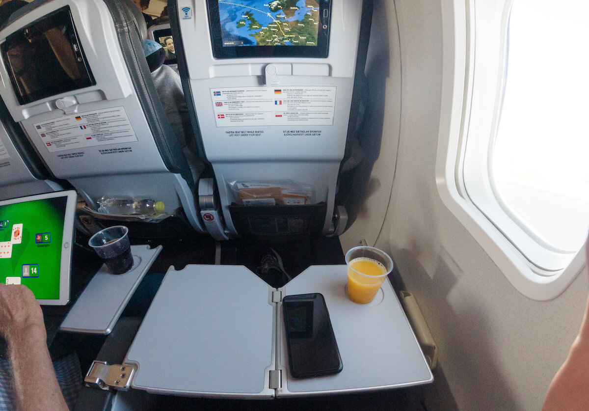 Icelandair Boeing 757 Getränke
