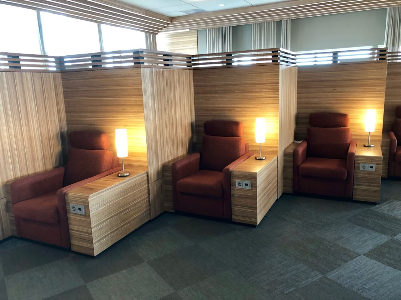 Saga Lounge Keflavik Sitzmöglichkeiten