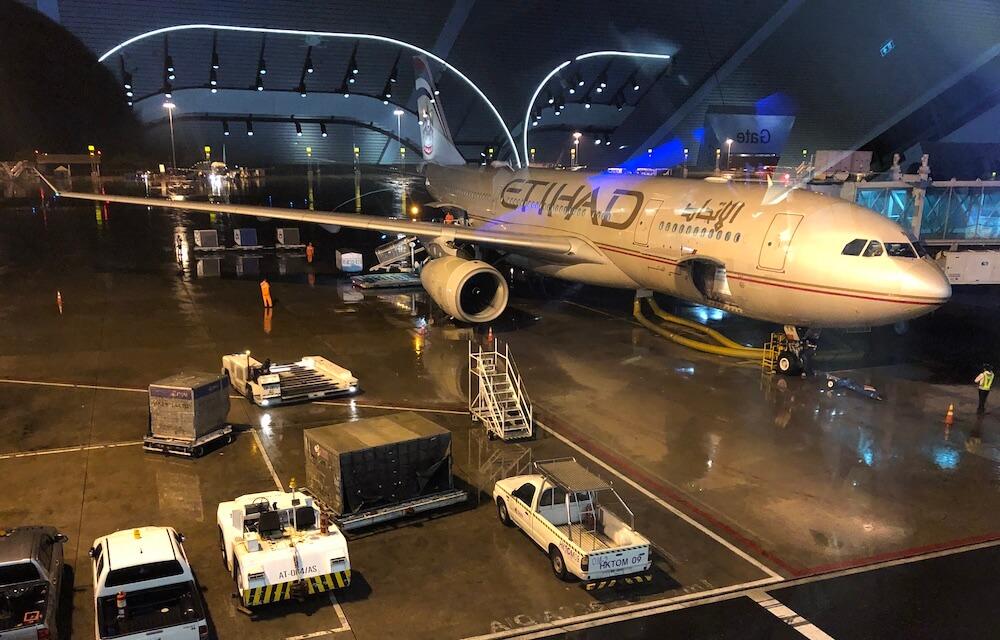 Etihad A330 am Flugahfen Phuket