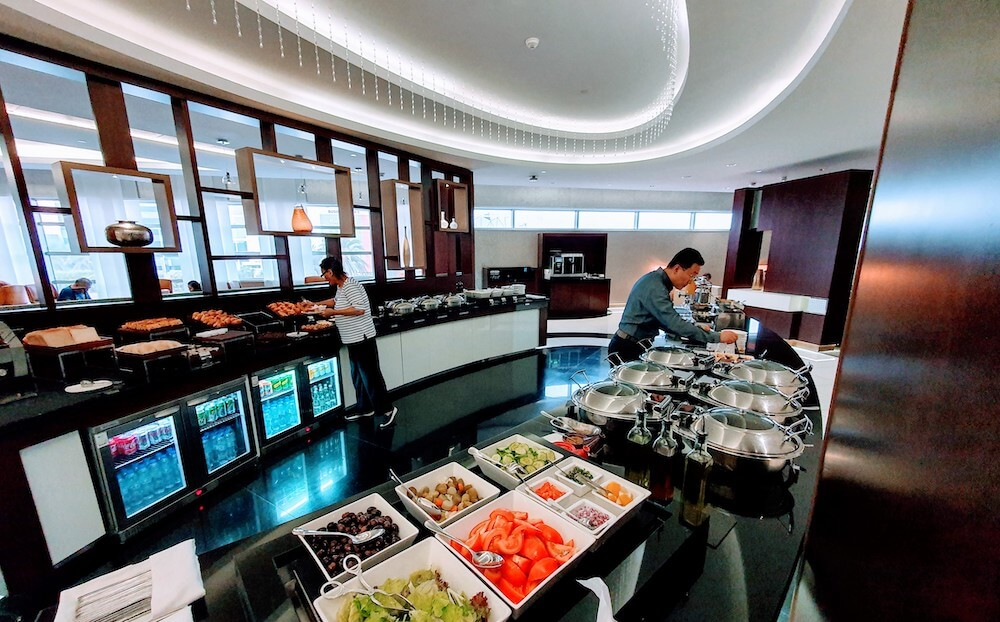 Etihad Business Class Lounge Buffet Abu Dhabi Terminal 3