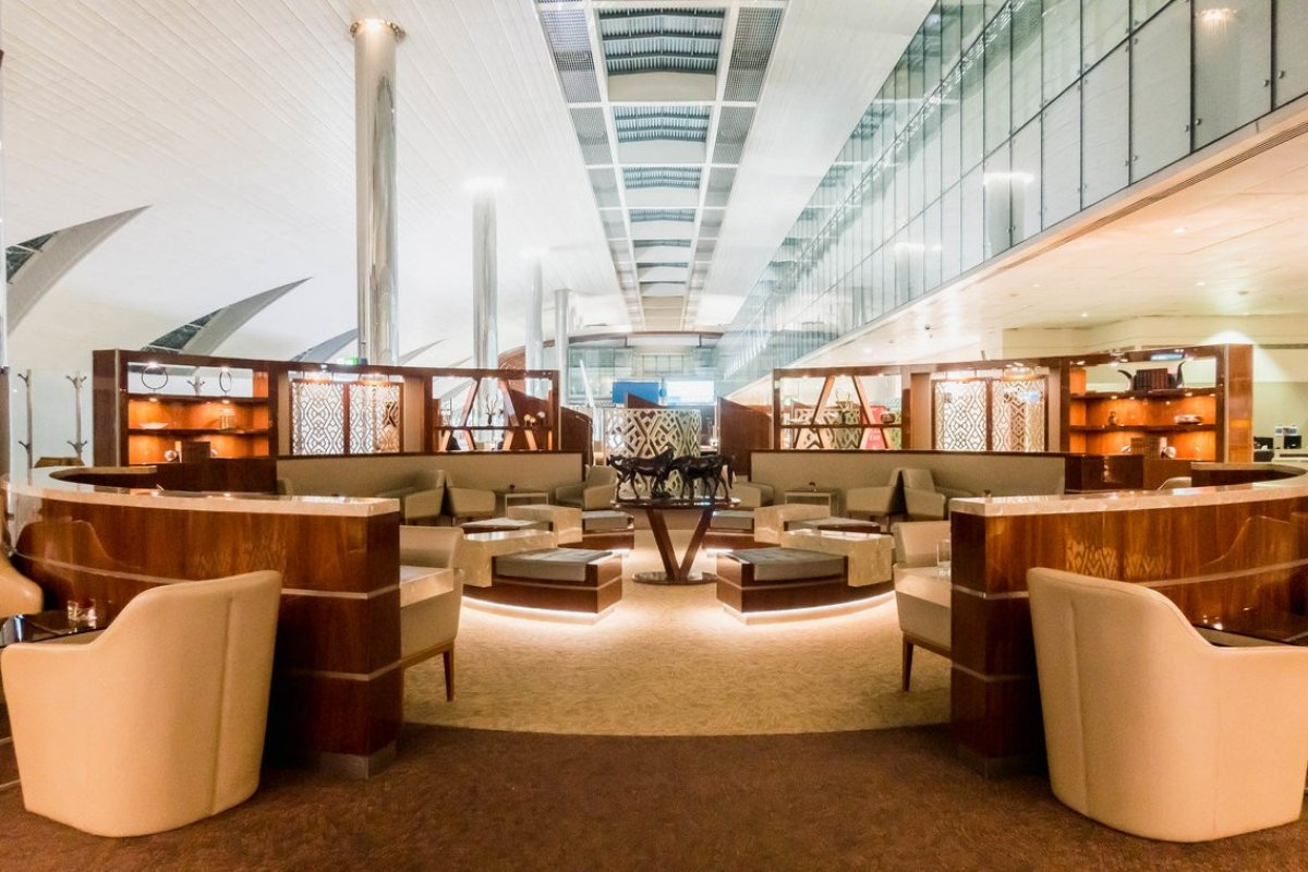 emirates-business-class-lounge-dubai-international